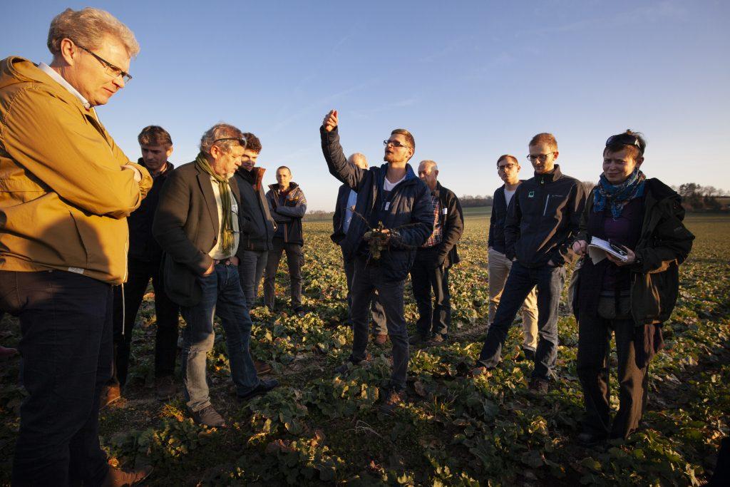 Im Dialog: Wissenschaftler und Landwirte