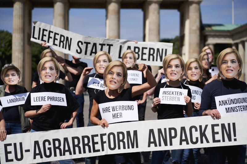 Hunderte demonstrierten vorm Brandenburger Tor